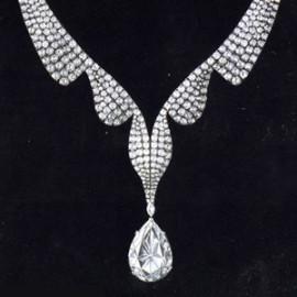 the taylor burton famous diamond necklace