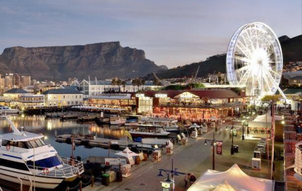 V&A Waterfront at dusk