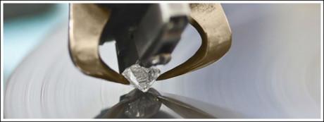 Polishing a diamond